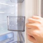 冷蔵庫の引越し荷造りで行うべき水抜き・霜取り